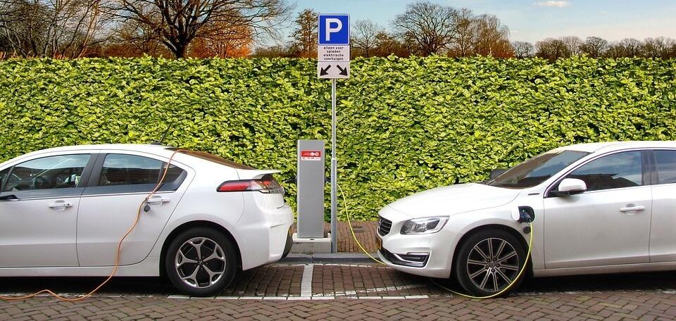 Stacje ładowania samochodów elektrycznych w Polsce