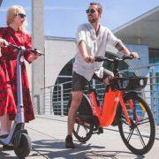 Rower i hulajnoga elektryczne – świetny sposób na ograniczenie spalin
